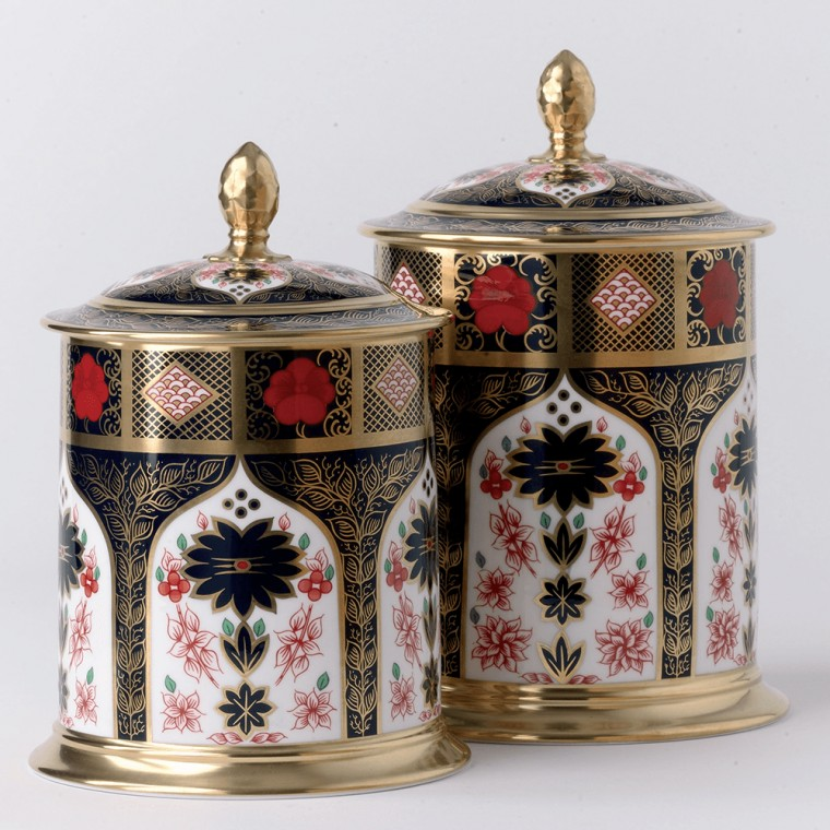 OLD IMARI SOLID GOLD BAND - STORAGE JAR (85.2cl)