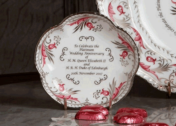 Queen's Platinum Wedding Anniversary Collection Five Petal tray