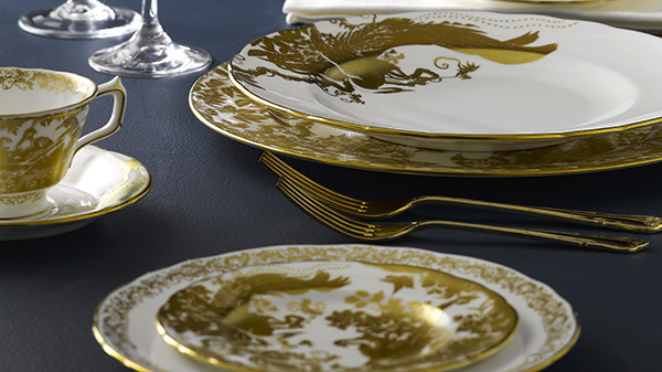 Aves Gold Table Setting