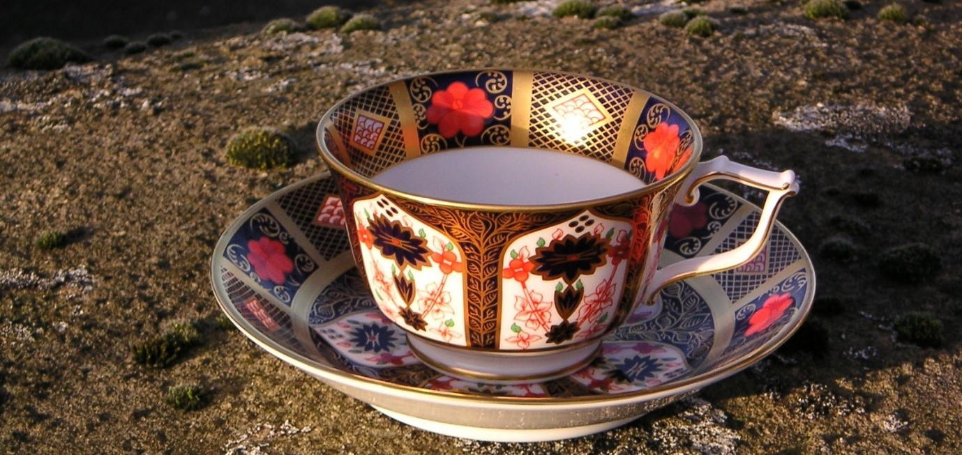 Imari Tea Cup & Saucer - Royal Crown Derby
