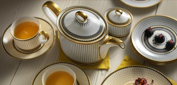 Oscillate Afternoon Tea Style - Royal Crown Derby
